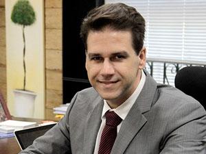 Medina acompanhou a discussão sobre o novo CPC desde o começo e escreveu três edições do livro que o comenta.